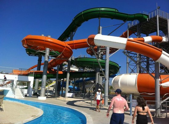 Sun Palace Hotel : waterpark slides