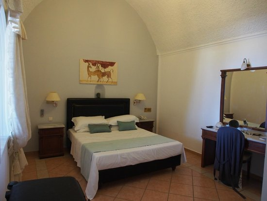 Mediterranean Beach Resort: Master bedroom in the two roomed suite