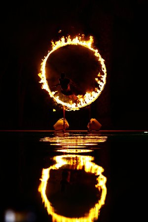Golden Tulip Taj Sultan Resort : Amazing Fire Show by Animation Team