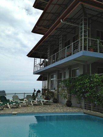 Villa Manuel Antonio : view from pool