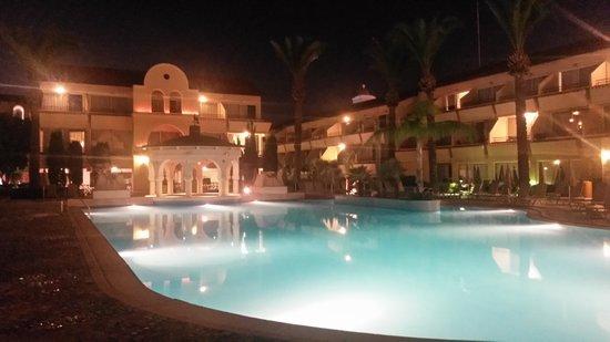 Napa Plaza Hotel: pool