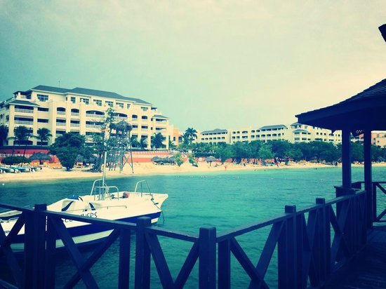 Iberostar Rose Hall Beach Hotel: View of the Hotel