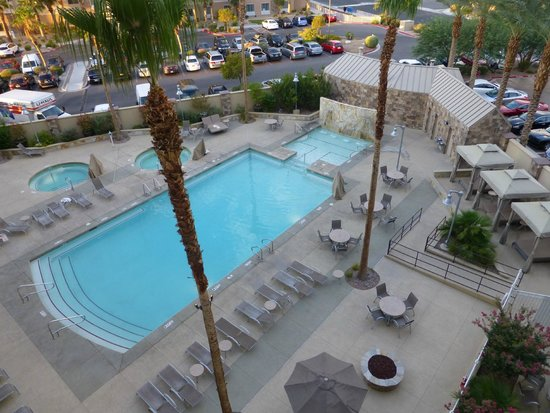 Staybridge Suites Las Vegas: Great Pool and Waterfall helps you relax