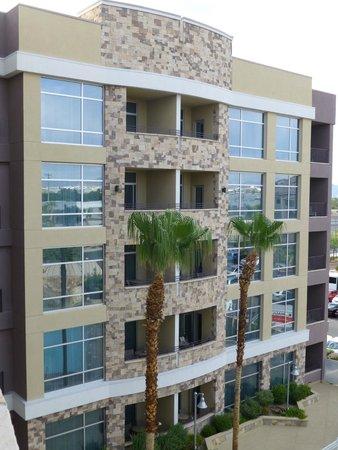 Staybridge Suites Las Vegas : View of Balconies