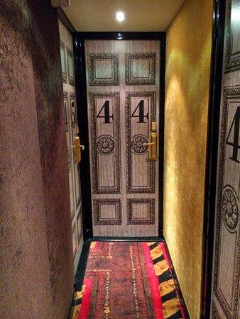 Hotel le Notre Dame: Dörren till vårt rum