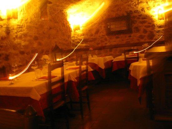 Au Grand Inquisiteur: Early salle a manger