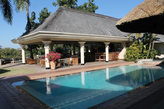 Ilala Lodge: piscina esterna