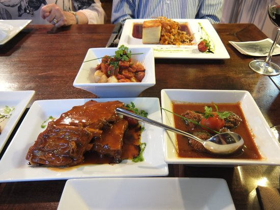 La Siesta Tapas & Bistro: Various tapas with beef wellington main at the back