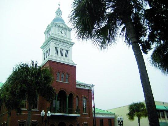 Hampton Inn Amelia Island at Fernandina Beach: city hall