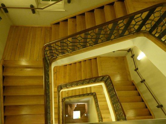 Steigenberger Grandhotel Handelshof: Treppenhaus
