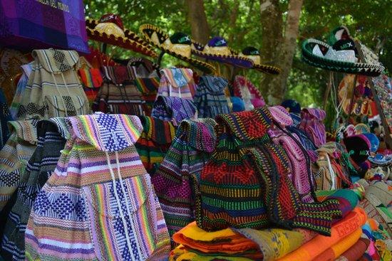 Edventure Tours: Textiles