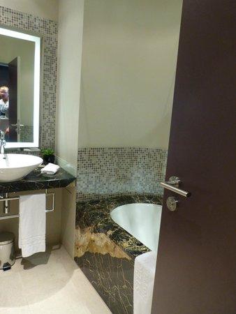Steigenberger Grandhotel Handelshof: und nochmal das Bad