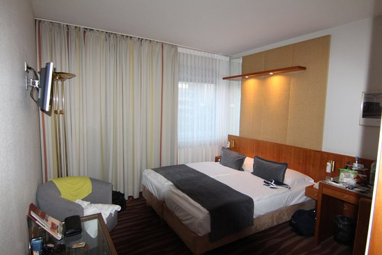 Golden Tulip Berlin - Hotel Hamburg: номер