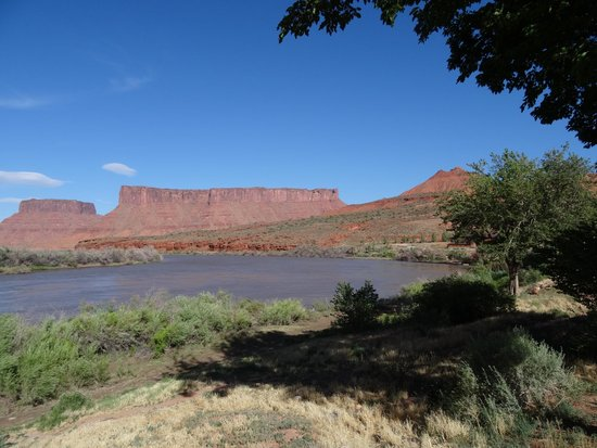 Red Cliffs Lodge : View from our room 201