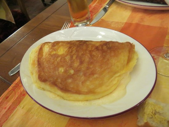 Auberge Saint Pierre: Egg Omelet for an appetizer