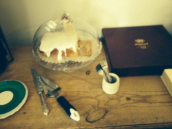 Buttercross Bed and Breakfast: Lovely Homemade Lemon cake