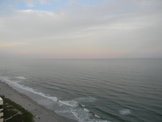 Bay Watch Resort & Conference Center: View from balcony of beach