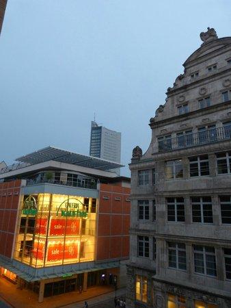 Steigenberger Grandhotel Handelshof: noch ein Blick aus dem Zimmer