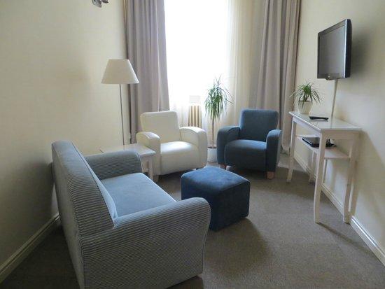Unitas Hotel: Room Lounge