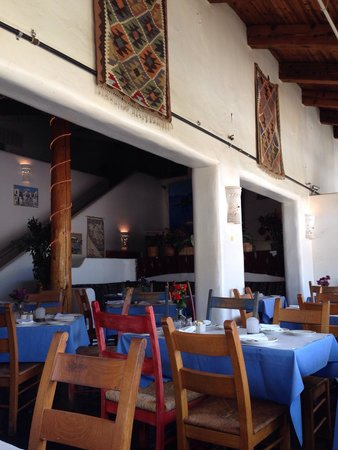 Taverna Tony: Inside setting
