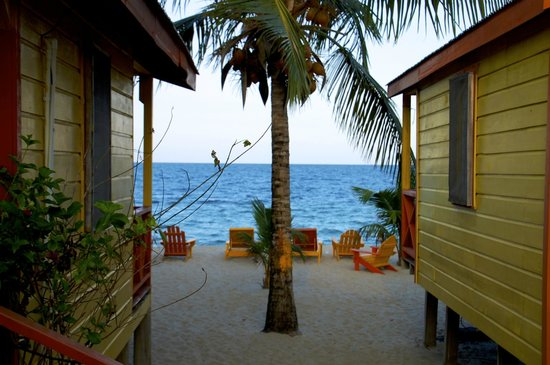 Julia's Rooms and Guesthouse: Cabana's view
