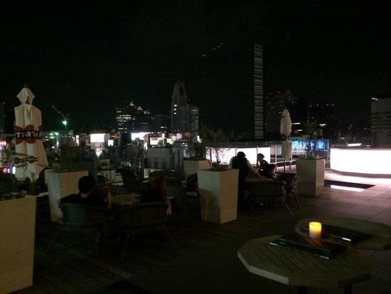 Shinjuku Granbell Hotel: Roof bar