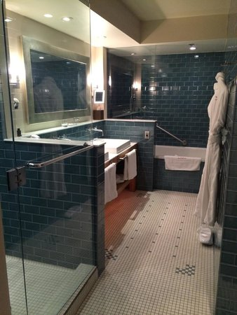 Auberge Saint-Antoine : Bathroom