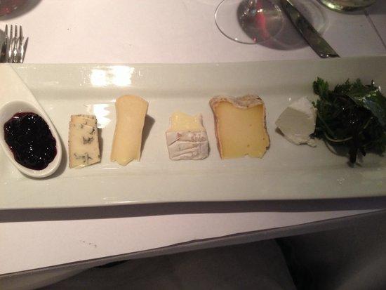 Restaurant L'Essentiel : Cheese plate