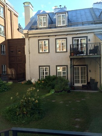 Auberge Saint-Antoine: garden view