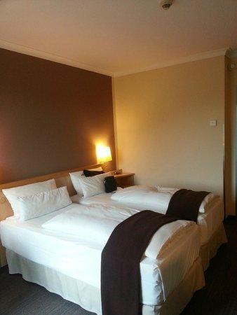 NH Berlin Alexanderplatz : bedroom