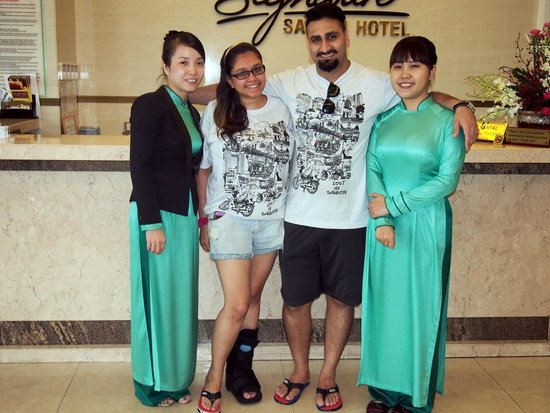 Signature Saigon Hotel : Superb service from the front desk girls!