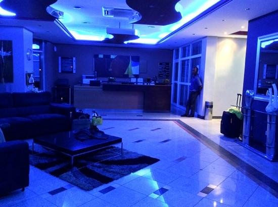 Hotel Milenio: blue lights in reception