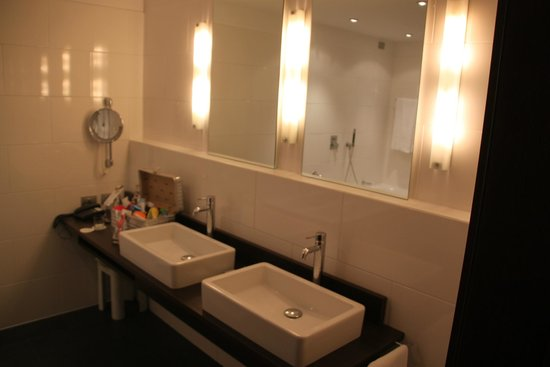 Four Points by Sheraton Bolzano: Zimmer