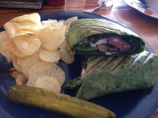 Blue Moon Coffee Shop: Vegetarian wrap