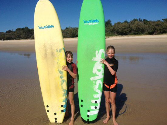 Merrick's Noosa Learn to Surf: First time surfers!