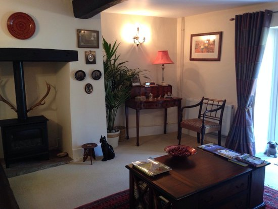 Frogmill B&B: The guest lounge