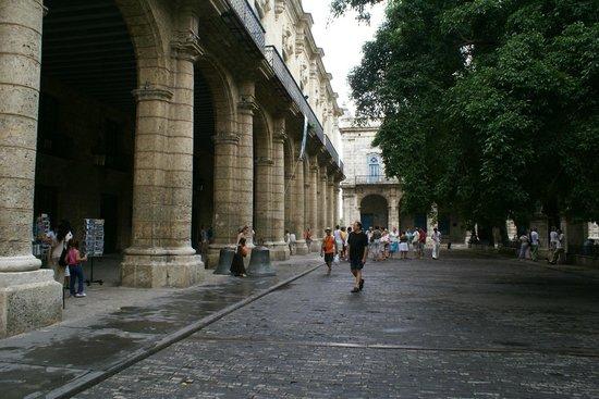 Palacio De Los Capitanes Generales: Exterior