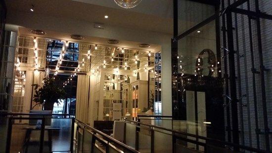 Ofelias Hotel: hall
