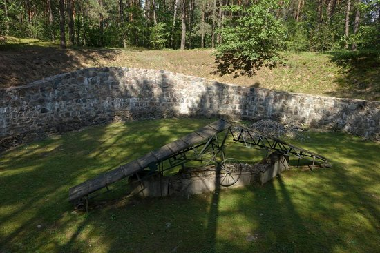 Paneriai (Ponar): Location where many bodies were incinerated in an attempt by Nazis to cover up evidence