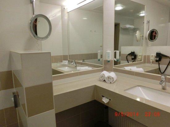 Austria Trend Hotel Schillerpark: Ванная комната