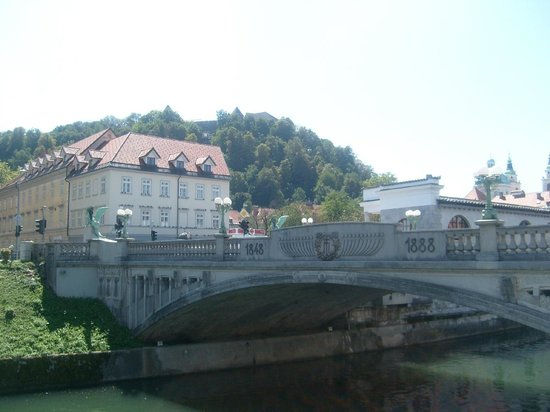 Dragon Bridge (Zmajski Most)