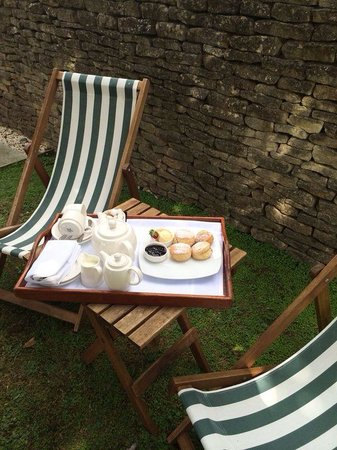 The Manor House Hotel: Afternoon Cream tea - served in The Apple Cottage