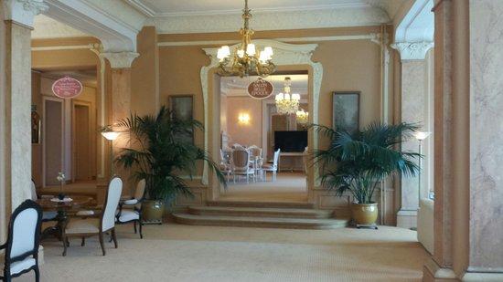 Eden Palace au Lac: Vintage salon de thé.