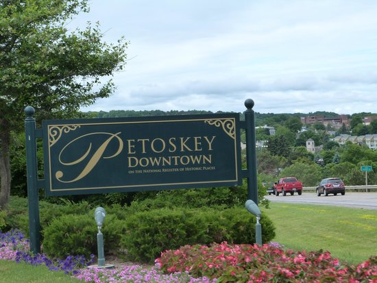Historic Gaslight District: Welcome to Petoskey