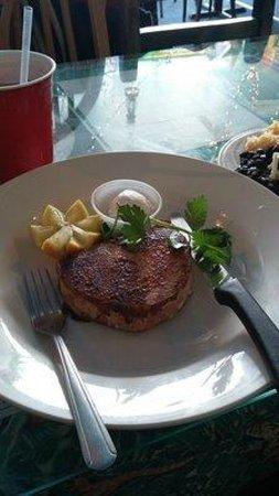 Beana's : 10 oz Blacken Tuna Steak