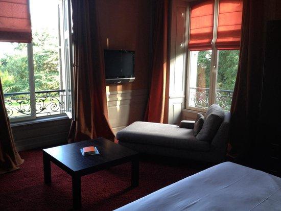 Domaine du Faugeras: Chambre 11 a l angle au 1er étage