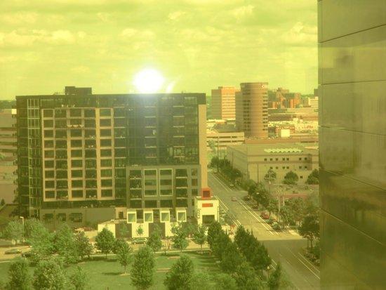 Guthrie Theater: Downtown Courtyard Marriott - upper center