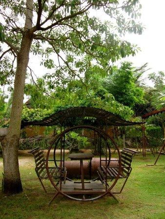 Haadsalad Resort: Garden play area