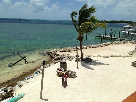 Hawks Cay Resort : beach