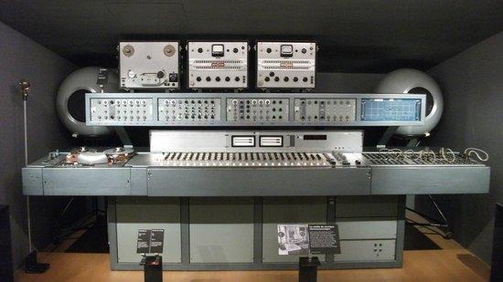 Musée de la musique : Electronic Music